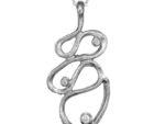 Flott och exklusivt hänge i silver med 3 stenar